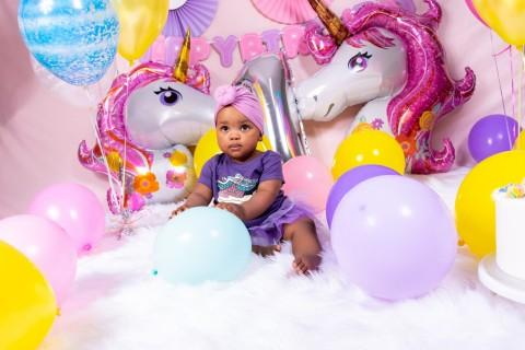 Oarabile's 1st cakes smash unicorn birthday session